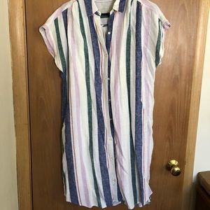 Old Navy multi-color t-shirt dress!